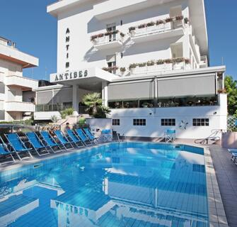 Family Hotel Antibes 1/8