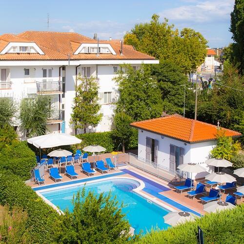 Residence il villaggio bellaria biciclette piscina e - Residence il giardino bellaria ...