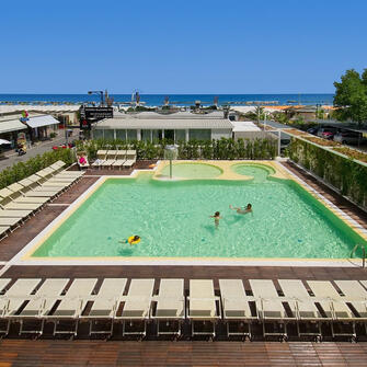 Cattolica Family Resort 1/8